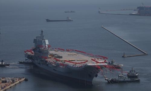 중국의 두 번째 항공모함인 '산둥함'. [동아db]