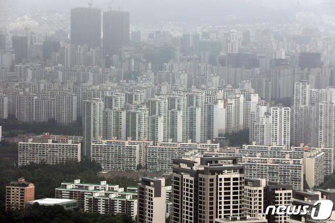 서울 강남구 아파트 단지의 모습. © News1 황기선 기자