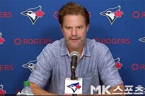 앳킨스 토론토 단장이 인터뷰를 갖고 있다. 사진= 화상 인터뷰 화면 캡처.