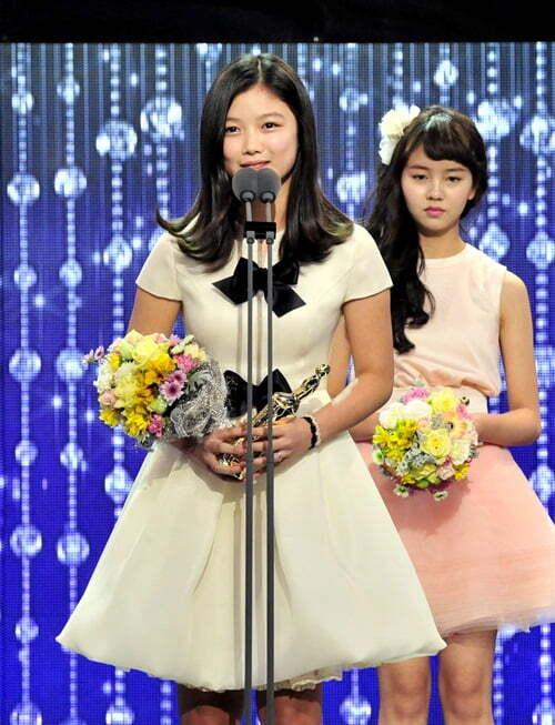 2012년 '해를 품은 달'로 MBC 연기대상 아역상을 받은 김유정/사진=MBC