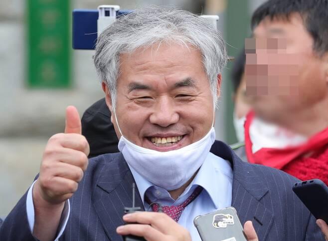마스크를 턱에 걸고 있는 전광훈  - 전광훈 사랑제일교회 담임목사. 연합뉴스