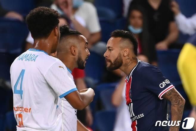 PSG의 간판 스타 네이마르가 마르세유와의 경기에서 퇴장을 당했다. © AFP=뉴스1