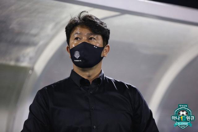 수원FC 김도균 감독     사진제공=프로축구연맹
