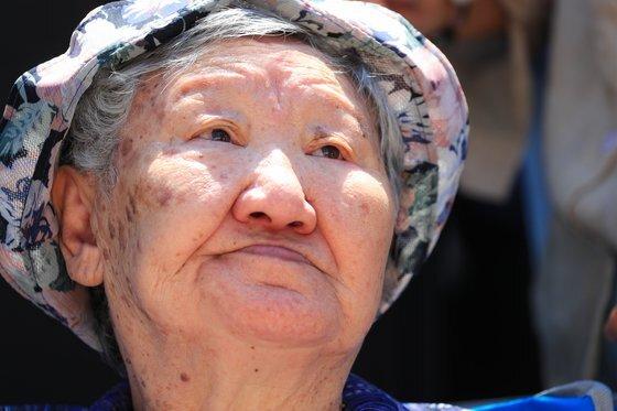 지난해 8월 수요집회에 참석한 길원옥 할머니의 모습. [연합뉴스]