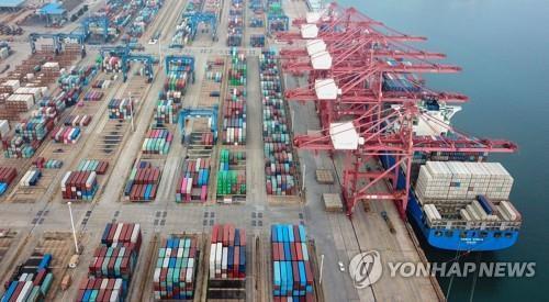 중국 장쑤성의 한 무역항 [AFP=연합뉴스 자료사진]