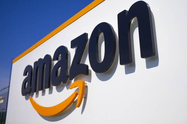 세계 최대 전자상거래 업체 아마존은 2일 직원 중 코로나19 감염자가 2만명에 이른다고 발표했다. AP연합뉴스