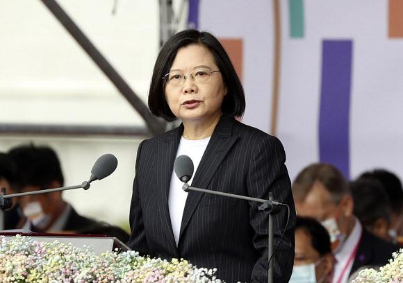 - 차이잉원 대만 총통이 10일 국경일(쌍십절)을 맞아 열린 기념식에서 기념사를 하고 있다. 2020.10.10. AP 연합뉴스