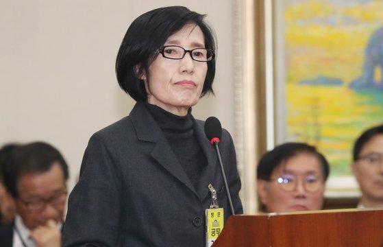 피우진 전 보훈처장이 지난해 10월 국회 보훈처 국정감사에서 출석해 증인선서를 거부하던 모습. [뉴스1]