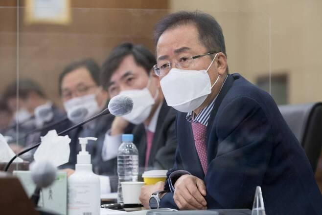 무소속 홍준표 의원이 8일 서울 용산구 합동참모본부에서 열린 국회 국방위원회 국정감사에서 질의하고 있다. / 사진=뉴시스