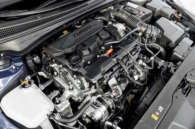 최근 출시되는 자동차는 배기량 2000㏄급이 대세다. 사진은 현대 4기통 엔진. /사진제공=현대자동차