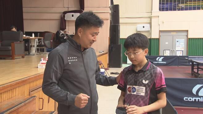 아버지인 권오신 대전동산고 교사도 탁구선수 출신