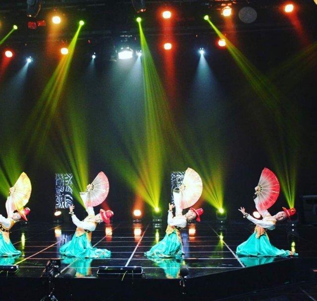 부채춤을 추고 있는 최신아예술단. 최신아 씨 제공