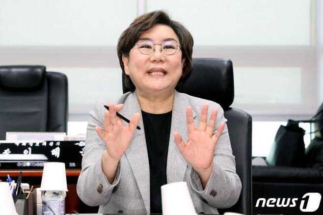 이혜훈 새로운보수당 총선기획단장이 17일 오후 서울 여의도 국회 의원회관에서 열린 1차 총선기획단 회의에서 발언을 하고 있다./사진=뉴스1