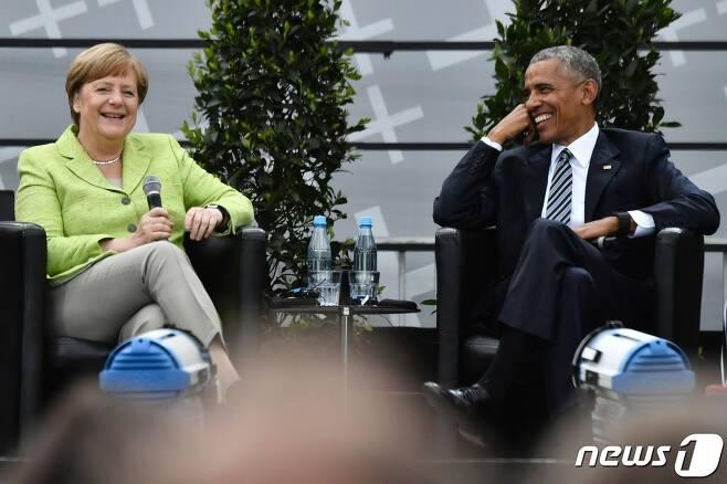 버락 오바마 전 미국 대통령과 앙겔라 메르켈 독일 총리. © AFP=뉴스1