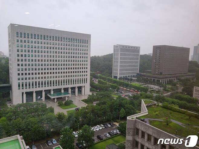 23일 대검찰청과 서울중앙지검의 모습. 2020.7.23/뉴스1 © News1 사진공동취재단