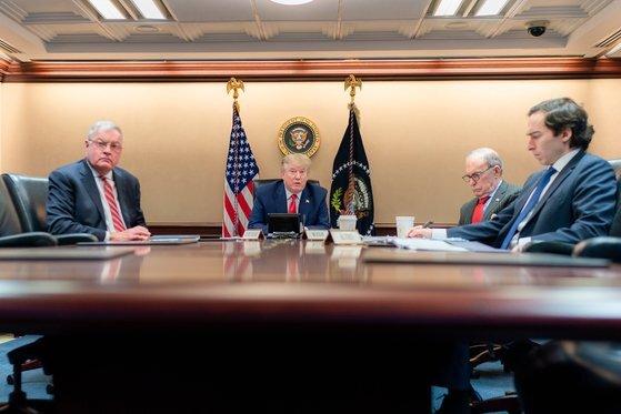 도널드 트럼프 미국 대통령이 지난 22일 백악관에서 G20 정상회의에 참석한 모습. [EPA/연합뉴스]