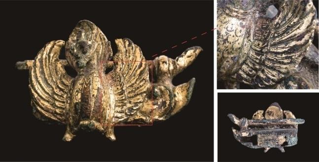 경주 황룡사지서 발견된 금동봉황장식 자물쇠.(국립경주문화재연구소 제공)© 뉴스1