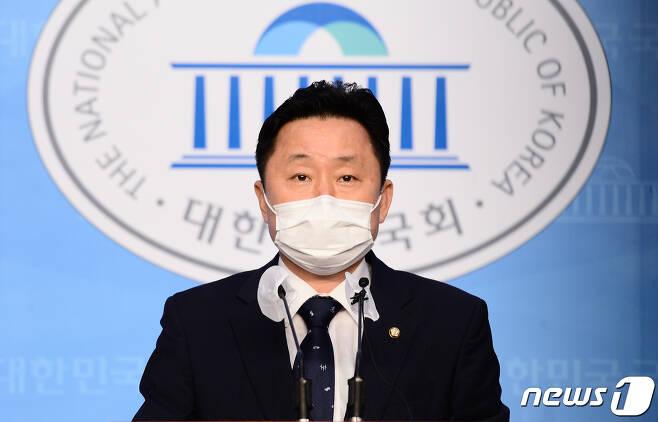 최인호 더불어민주당 수석대변인. 2020.11.2/뉴스1 © News1 성동훈 기자