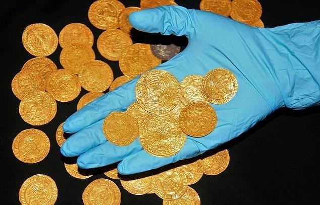 코로나19 팬데믹으로 인한 봉쇄령 기간 동안 영국 각지에서 발견된 고고유물들