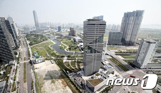 인천경제청 G타워 전경. © News1 강남주 기자