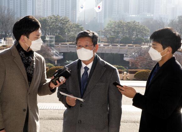 3일 정부과천청사로 출근하는 이용구 법무부 차관. 연합뉴스