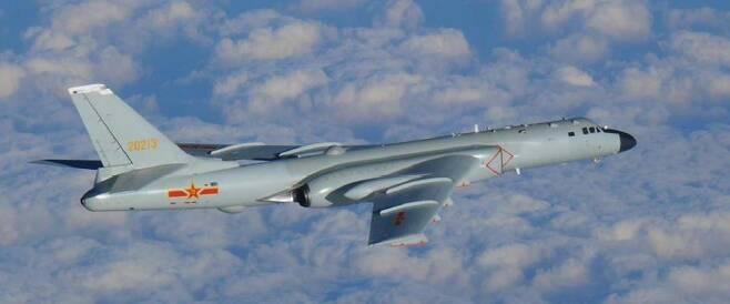 중국 H-6 폭격기 [일본 통합막료감부 홈피 캡처.재판매 및 DB 금지]