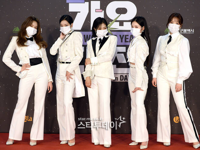 2020 SBS Song Daejeon in Deagu was held on the afternoon of the 25th.The 2020 SBS Song Daejeon in Deagu was held under the theme of The Wonder Year.The event included BTS, Gods Seven, New East, Monster X, Mamamu, girlfriend, Ohmai Girl, April, Twice, Seventeen, Eyes One, The Boys, Stray Kids, (Women) Kids, Eighties, You know, Tomorrow By Together, Momorand, Crabbitty, Treasure, Espa, Eom Jung Hwa The show was attended by transfer, Jesse and others.Boom, Kim Hee-chul and April Naeun took charge of the proceedings.The event was pre-recorded under the influence of Corona19.