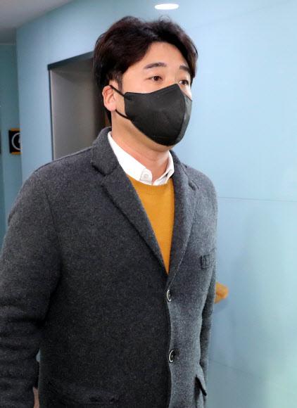 상벌위에 출석하는 이택근. 연합뉴스