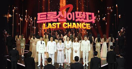 SBS '트롯신이 떴다'는 트로트 열풍의 대표적인 프로그램으로 꼽힌다. 사진제공 SBS