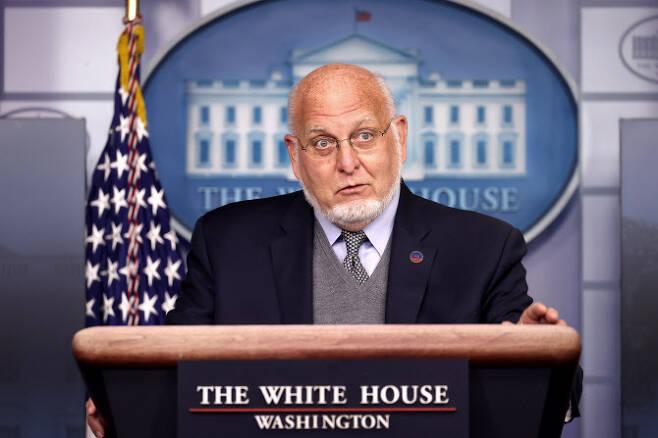 로버트 레드필드 CDC 국장 (사진=AFP)