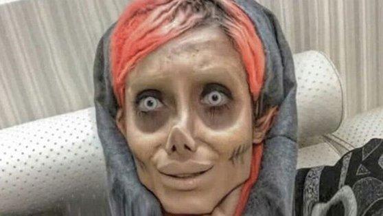 '좀비 앤젤리나 졸리'로 불리며 50만명 이상의 팔로워를 보유했던 사하 타바르. [사진 인스타그램]