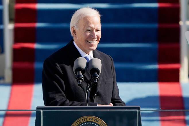 조 바이든 미국 대통령이 20일(현지시간) 워싱턴DC의 연방의회 의사당에서 열린 취임식에서 선서를 마치고 연설하고 있다. [연합]
