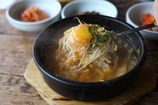 전주 콩나물국밥. / 사진 = 한국관광공사