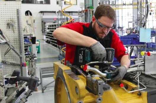 스마트글래스는 수년전부터 산업분야에서 활용되고 있다. 사진은 구글글래스 엔터프라이즈 에디션 [구글]