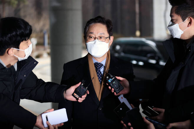 Justice Minister nominee Park Beom-kye responds to reporters as he heads to his office in Seoul on Thursday. (Yonhap)