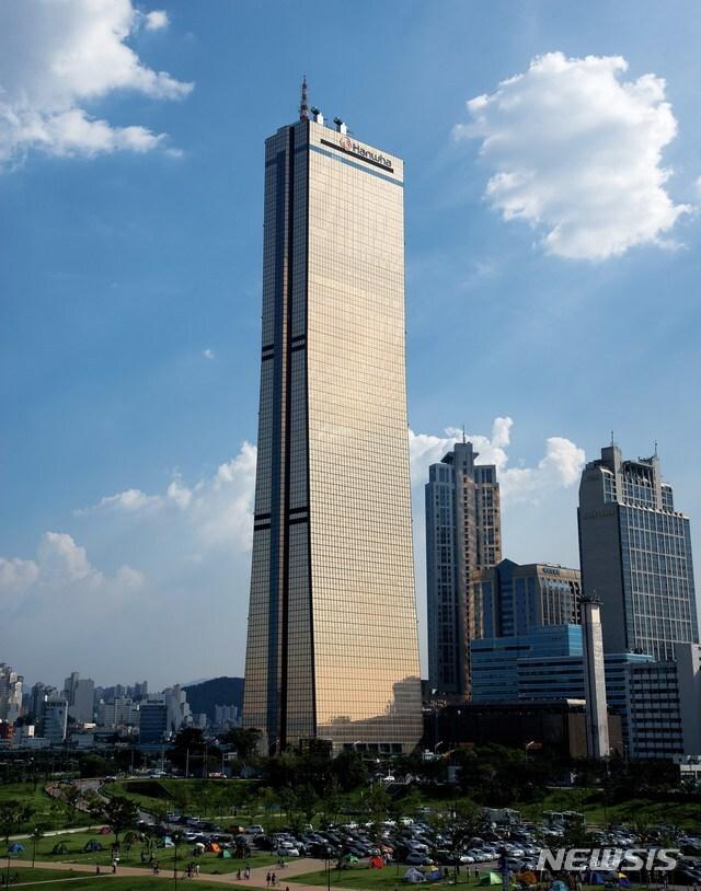 [서울=뉴시스] 한화생명 63빌딩. (사진=한화생명 제공) 2021. 01.27. photo@newsis.com