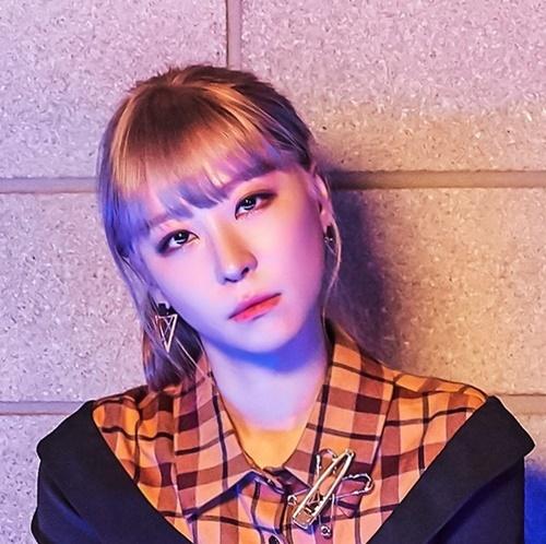 19일(금), 로라 싱글 앨범 1집 '혼자 사랑해도' 발매   인스티즈