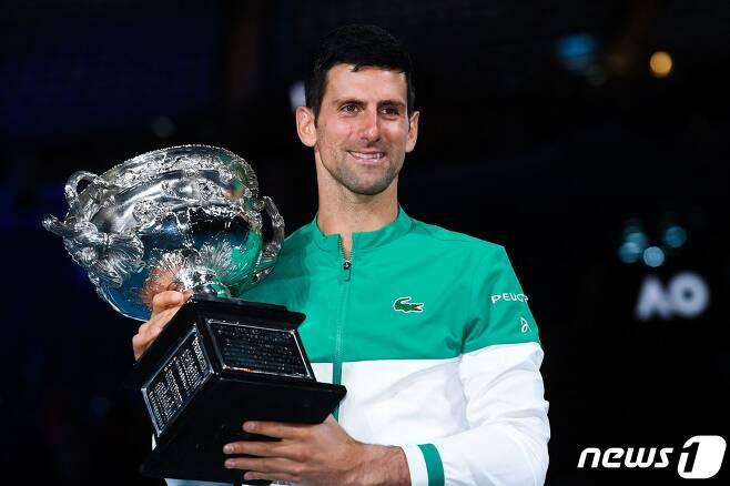 2021 호주오픈에서 우승한 노박 조코비치. © AFP=뉴스1