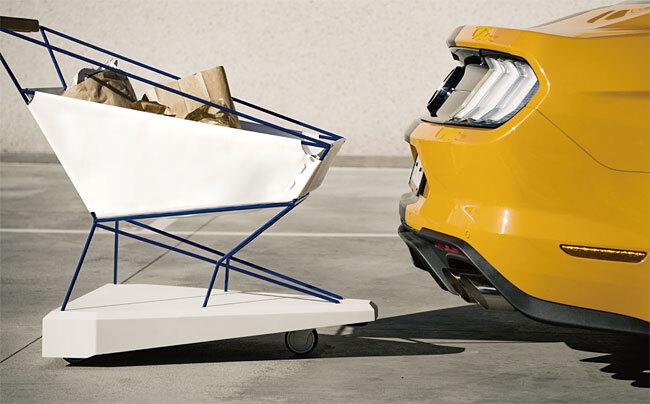포드가 만든 쇼핑 카트 '셀프 브레이킹 트롤리'에는 충돌 방지 시스템을 적용했다. 사진 포드