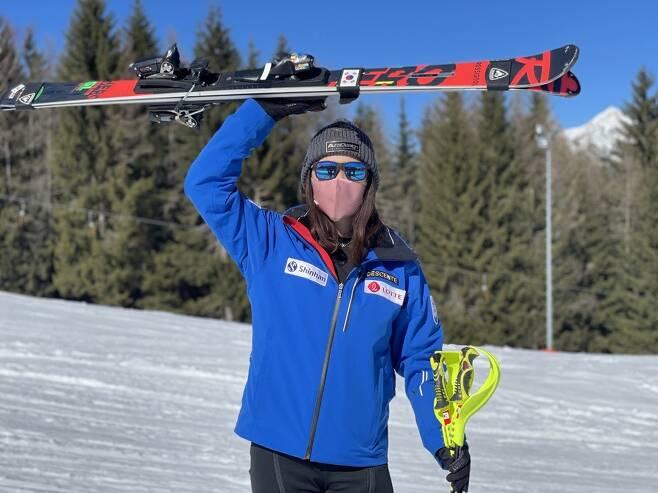 강영서가 한국 여자 선수 최초로 유럽에서 열린 FIS 레이스 알파인 종목에서 준우승으로 입상했다. [사진=대한스키협회 제공]