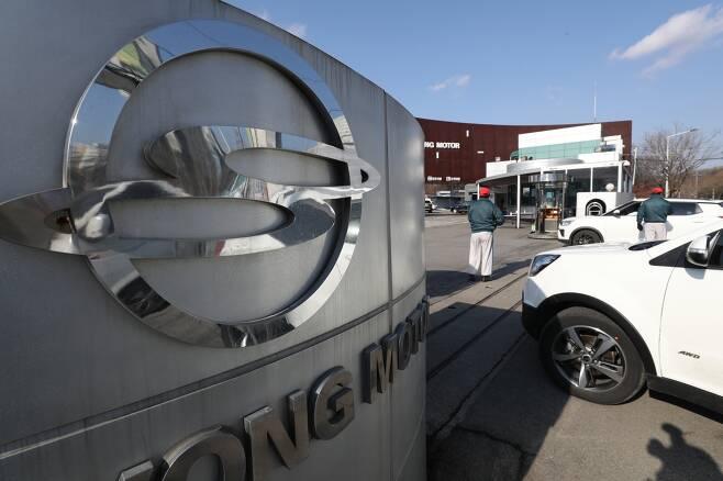 법원이 쌍용차 회생절차개시를 위한 법정관리에 돌입하기로 결정했다. 쌍용차의 잠재적 투자자인 HAAH오토모티브가 지난 1일까지 LOI(투자의향서)를 제출하지 않아서다./사진=뉴스1 민경석 기자