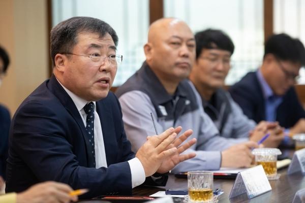 예병태 쌍용차 사장 사퇴…법정관리 초읽기