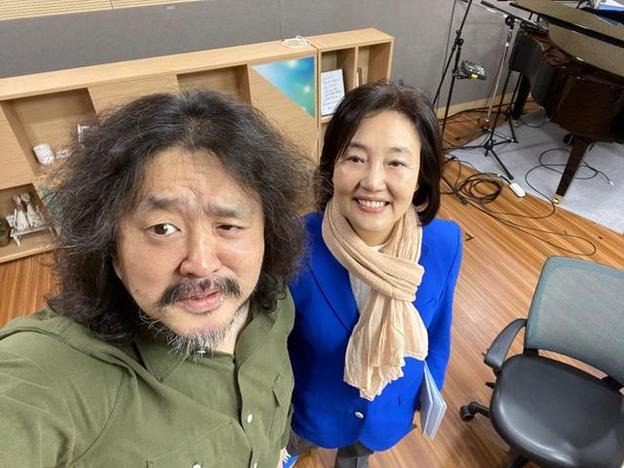 김어준씨와 박영선 전 의원/사진=TBS