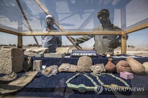 이집트 룩소르 고대 도시유적에서 나온 유물들 [AFP=연합뉴스]