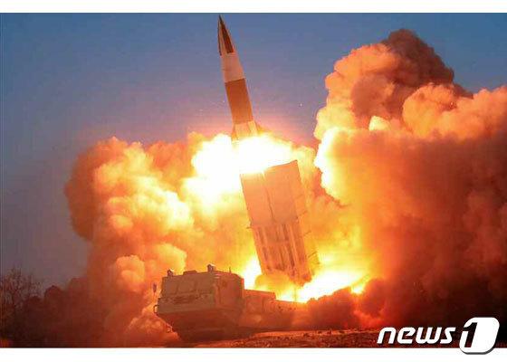 북한군의 전술유도무기'(KN-24). 일명 '북한판 에이태큼스(ATACMS)' (미 CSIS 미사일 방어 프로젝트) © 뉴스1