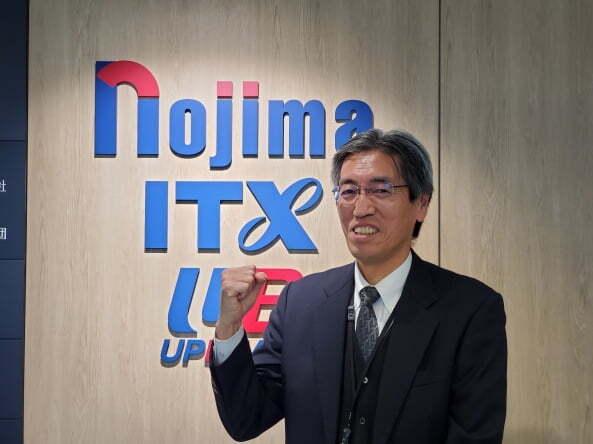 노지마 본사 IT시스템부의 마루모토 아키히사씨는 지난 1월로 65세가 됐다. 그는 지금도 시스템 교체작업이 있을 때는 젊은 동료들과 함께 철야를 한다. (요코하마=정영효 특파원)