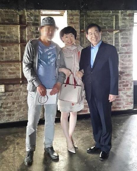 고(故) 박원순 전 서울시장(왼쪽)과 진혜원 대구지검 부부장검사(가운데). 페이스북 캡처