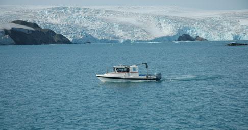 남극 세종과학기지 주변 종합해양조사 전용선. (사진=해양수산부)