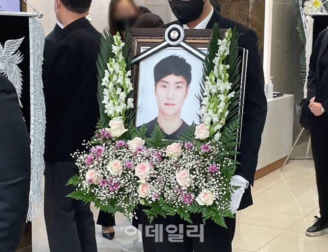 서울 반포한강공원에서 실종된 지 닷새 만에 숨진 채 발견된 손정민(22)씨의 발인이 5일 서초구 한 장례식장에서 진행되고 있다. (사진=공지유 기자)