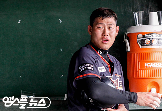 올 시즌 리그 최고 유격수로 올라선 하주석(사진=엠스플뉴스)